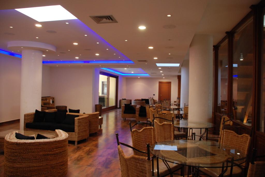 Sala ristorante e ricevimenti il pellegrino in for Luci d arredo casa